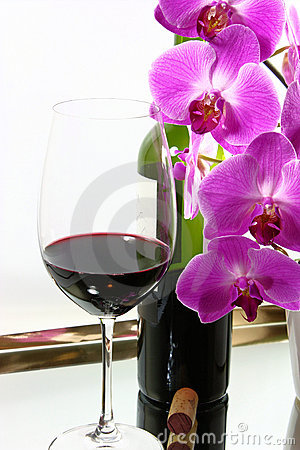 Free Red Wine & Orchids Royalty Free Stock Photography - 15479007