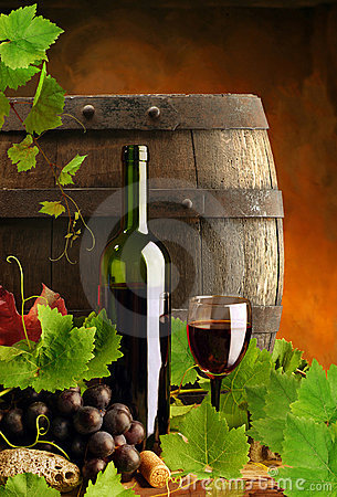 Free Red Wine, Vine And Cask Royalty Free Stock Photos - 8864798