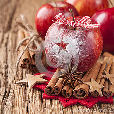Free Red Winter Apples Stock Image - 28242291