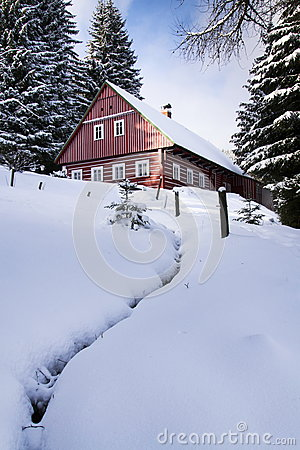 Free Red Wooden Cabin In A Frosty Snowy Country Stock Photo - 66622670
