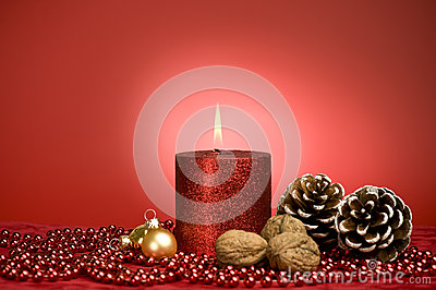 Red xmas decoration with candle
