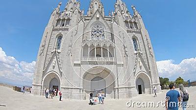 redaktionell Mai 2018 Der Tempel des heiligen Herzens auf Berg Tibidabo in Barcelona stock video
