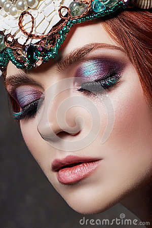 Free Redhead Girl With Bright Makeup And Big Lashes. Mysterious Fairy Woman With Red Hair. Big Eyes And Colored Shadows, Long Lashes Royalty Free Stock Photography - 94323597