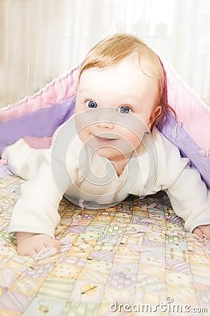redheaded baby unter decke lizenzfreie stockfotos bild 12118708. Black Bedroom Furniture Sets. Home Design Ideas
