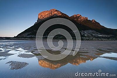 Reflect in the beach of Oriñon
