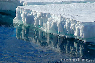 Reflecting ice floe