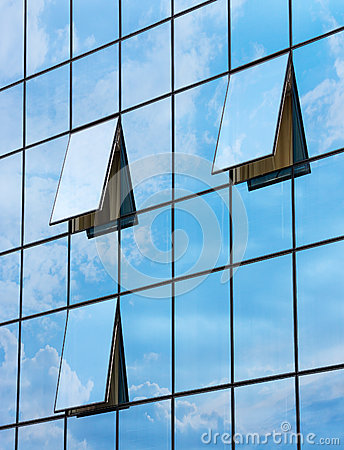 Free Reflection In Open Windows  Of  Skyscraper Royalty Free Stock Images - 41310959