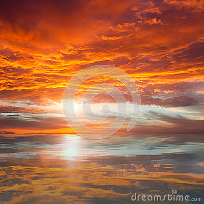 Free Reflection Of Beautiful Sunset /  Majestic Clouds And Sun Above Royalty Free Stock Images - 38466689