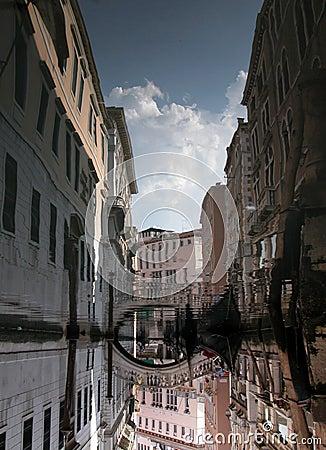 Reflexión del canal de Venecia