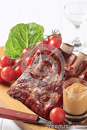 Reforços de carne de porco fumado
