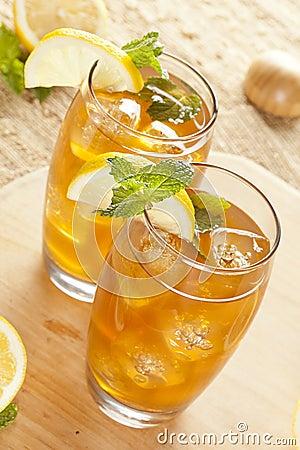 Refreshing Iced Tea with Lemon