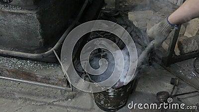 Refrigerar do detalhe quente no óleo video estoque