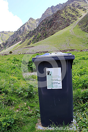 The refuse bins in the Swiss mountains