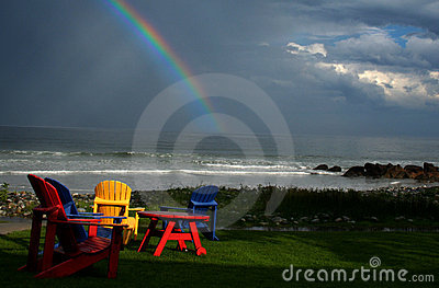 Regenbogen am weißen Punkt
