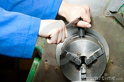 Regulating of turning lathe
