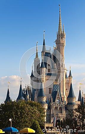 Reino mágico de Disney Imagen de archivo editorial
