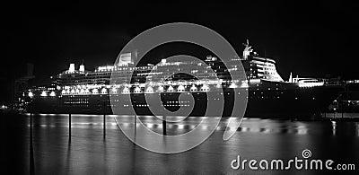 Reiseflug-Zwischenlage Queen Mary-2 in Sydney, Australien Redaktionelles Foto