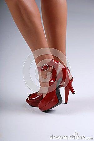 Reizvolle rote Schuhe.