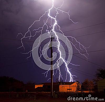 Relâmpago da companhia de electricidade