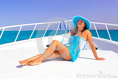 Relax on the yacht cruise