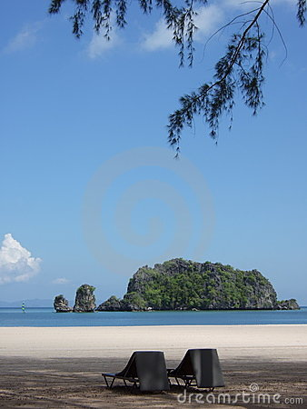 Relaxation on Tangjung Rhu Beach