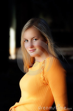 Relaxed blond model