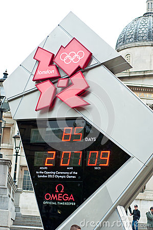 Reloj de la cuenta descendiente de las Olimpiadas de Londres Imagen de archivo editorial