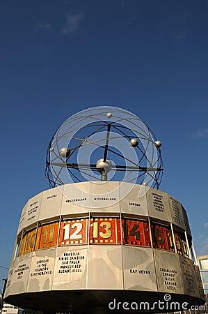 Reloj del mundo en Berlín Imagen de archivo editorial