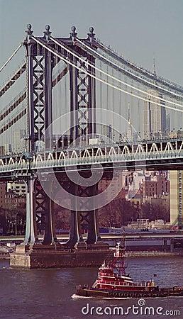 Remolcador en East River de Nueva York