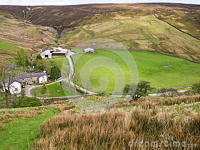 Remote холма фермы Англии