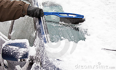 Removing snow from car