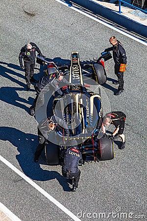 小组莲花Renault F1, Romain Grosjean 2012年 编辑类库存照片