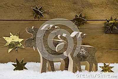 Renne deux fait main en bois pour la d coration de no l avec le natur photo stock image 42703023 - Renne de noel en bois ...