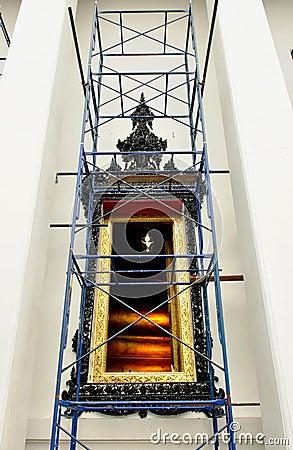 Renovate chapel window of Wat Pho