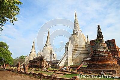 Renovate ruin pagoda