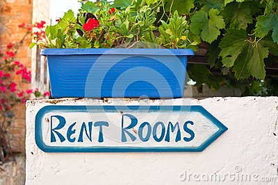 Rent rooms sign