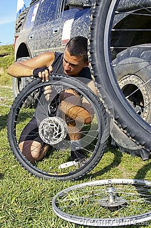 Repair  bicycle wheel