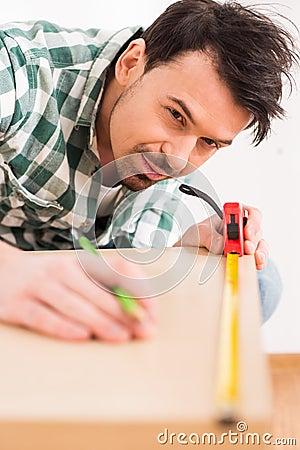 Free Repair Home Royalty Free Stock Images - 50043339
