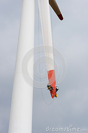 Free Repair Work On The Blades Of A Windmill For Electric Power Production Stock Images - 68662094