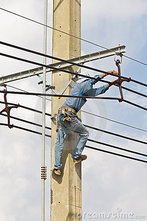 Repairing electrical transmission lines