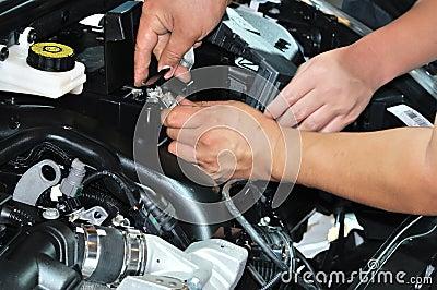 Repairing and maintenance vehicle