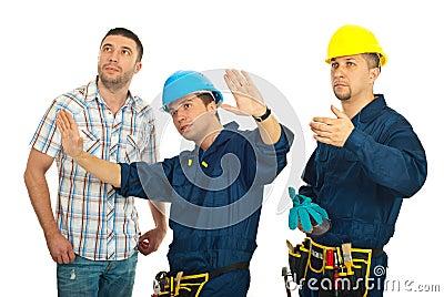 Repairman explain to client