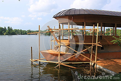 Reparo de madeira do barco