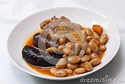 Repas espagnol typique de fabada photos stock image 31469853 - Repas de noel espagnol ...