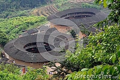 Residencia tradicional ofrecida en el sur de China, castillo de la tierra