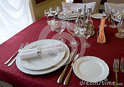 Restaurant table arrangement