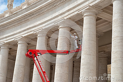Restoration works at Vatican, Saint Peter s Square
