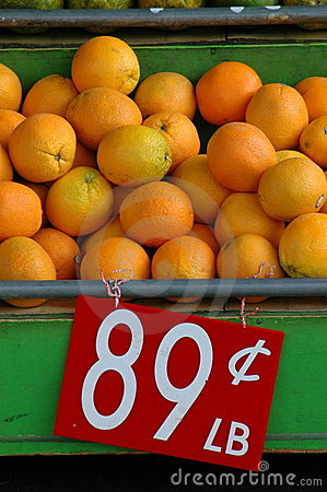 Retail Image of Oranges at a Market