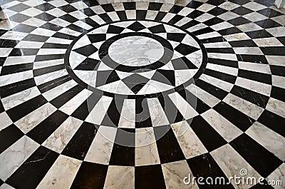 Reticolo di marmo in bianco e nero del pavimento immagini for Pavimento bianco e nero