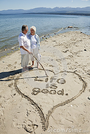 Free Retired Couple On Beach Stock Photography - 28981482